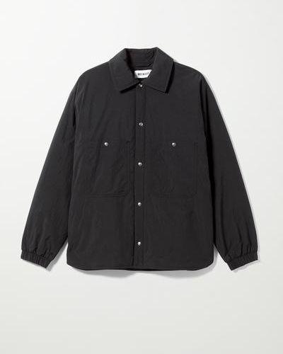 Черная куртка непродуваемая Weekday