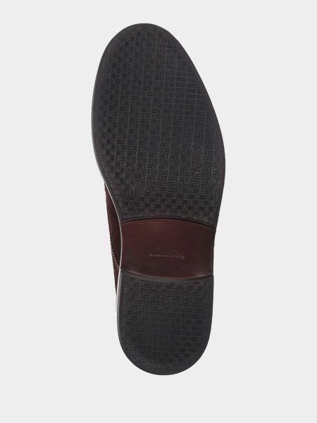 Коричневые замшевые ботинки на шнуровке Clarks