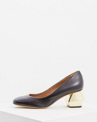 Кожаные туфли осенние на каблуке Emporio Armani