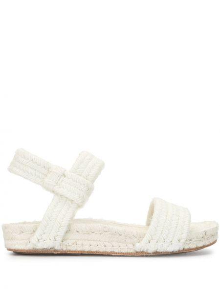 С ремешком открытые белые сандалии с открытым носком Cherevichkiotvichki