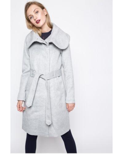 Утепленная куртка прямая с поясом Vila