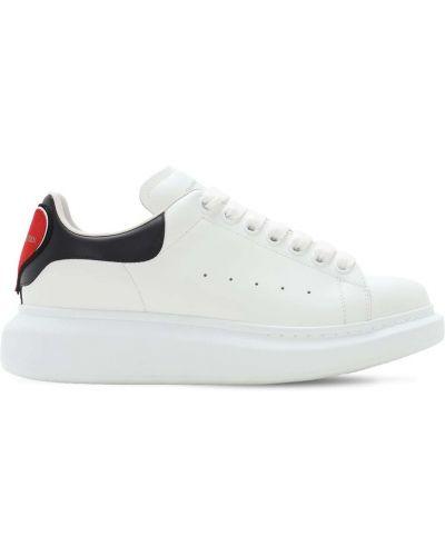 Biały ażurowy skórzany skórzane sneakersy zasznurować Alexander Mcqueen