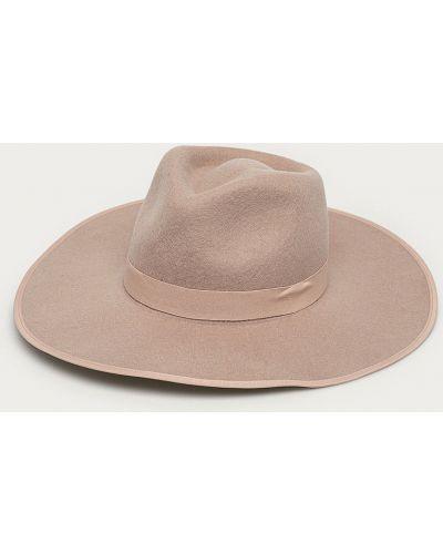 Różowa czapka wełniana Billabong