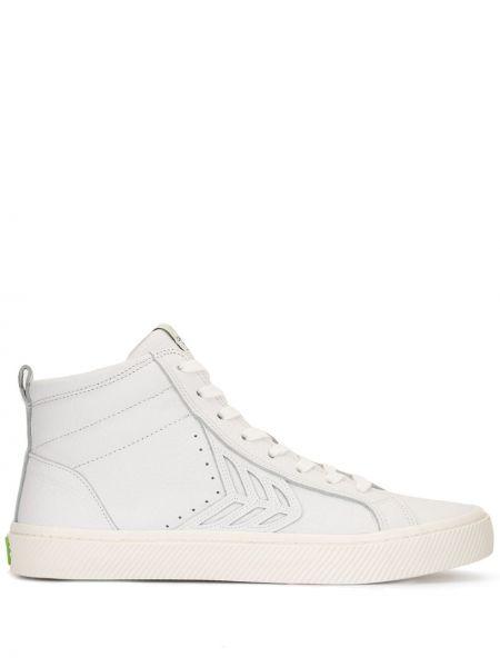 Białe wysoki sneakersy skorzane sznurowane Cariuma