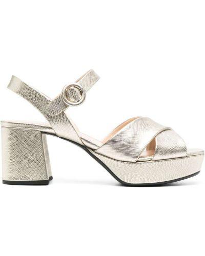 Złote sandały klamry peep toe Prada