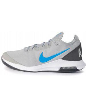Серые спортивные теннисные текстильные кроссовки Nike