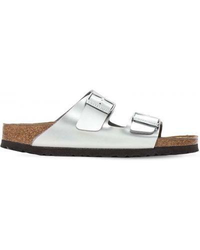 Серебряные кожаные сандалии с пряжкой Birkenstock