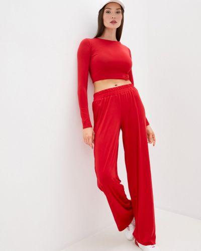 Красный костюмный брючный костюм Malaeva