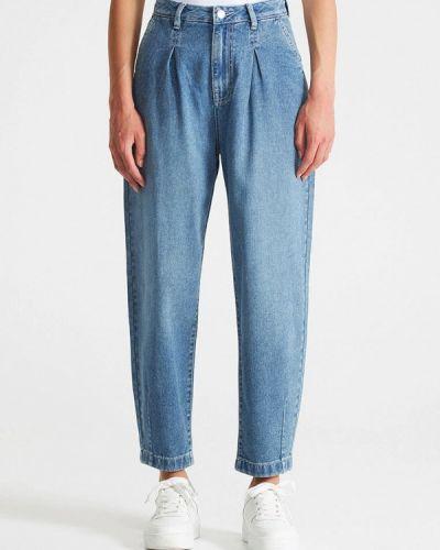 Голубые зимние джинсы Terranova