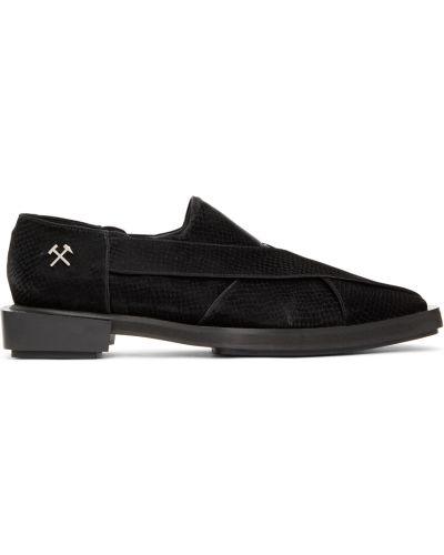 Gumowe wężowe czarne loafers Gmbh