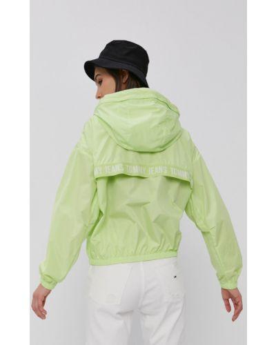 Zielona kurtka jeansowa z kapturem materiałowa Tommy Jeans