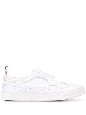 Biały koronkowa skórzany buty brogsy na sznurowadłach Thom Browne