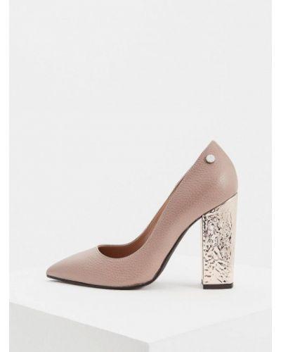 Кожаные туфли осенние для офиса на каблуке Pollini