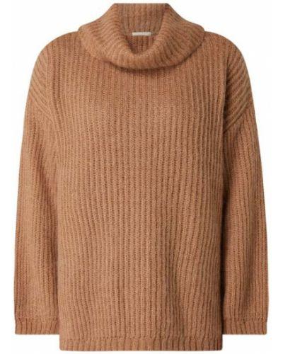 Prążkowany brązowy długi sweter z długimi rękawami Levete Room