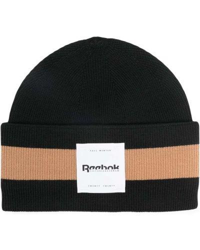 Вязаная черная шапка бини с отворотом Reebok X Victoria Beckham