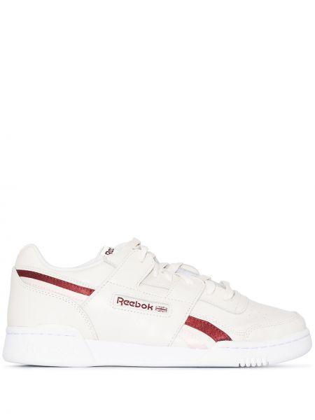 Кожаные белые кроссовки на шнуровке Reebok