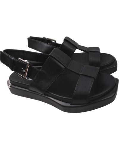 Кожаные босоножки - черные Aquamarin
