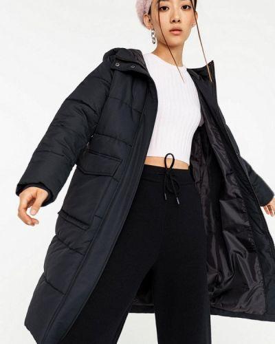 Черная утепленная куртка Befree