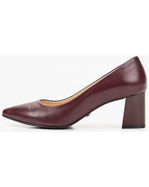 Туфли на каблуке кожаные бордовый Hestrend