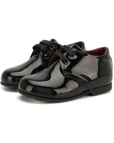 Классические туфли черные лаковые Dolce & Gabbana