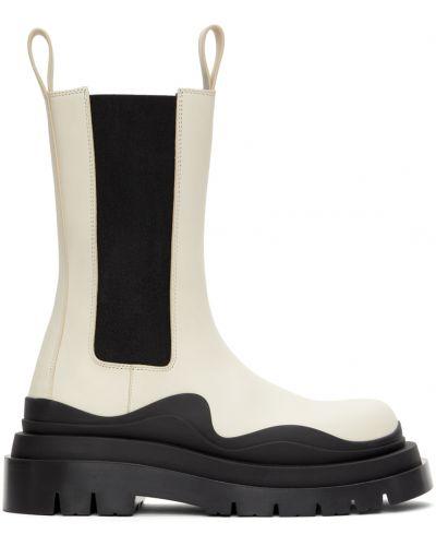 Белые ботинки с круглым носком Bottega Veneta