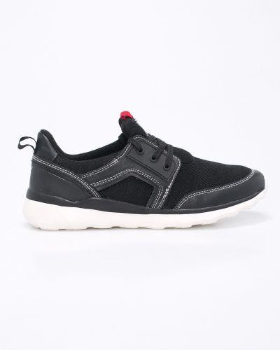 Черные кроссовки S.oliver