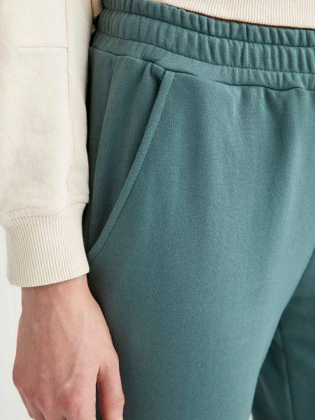 Хлопковые зеленые спортивные брюки с поясом Defacto