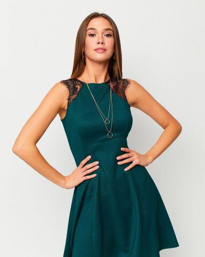 Приталенное зеленое коктейльное платье свободного кроя Karree