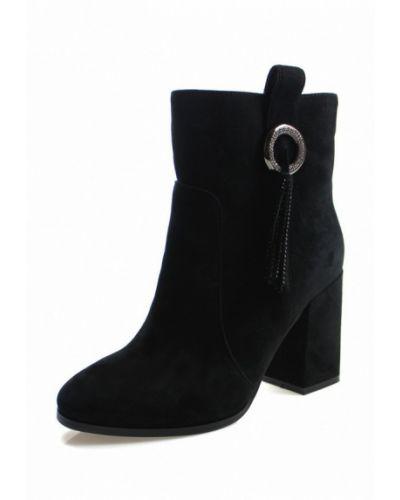 Ботинки на каблуке осенние замшевые Blizzarini