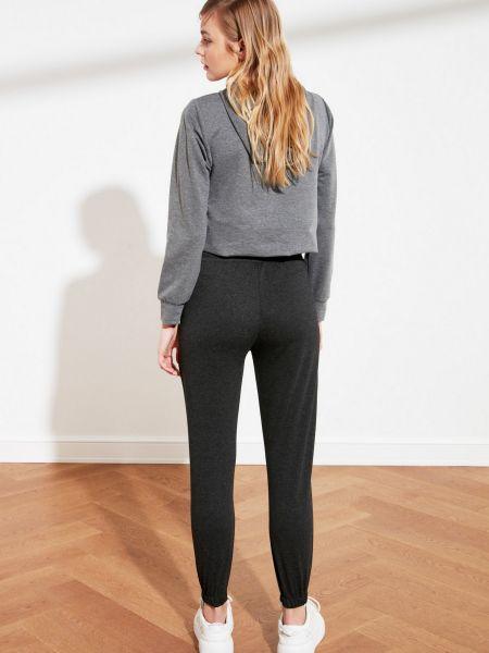 Трикотажные спортивные брюки - черные Trendyol