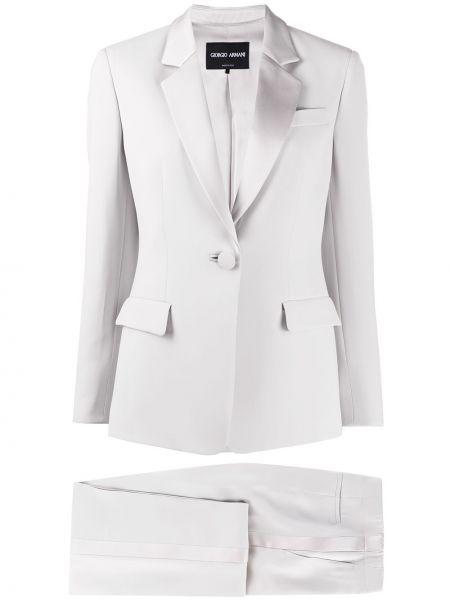 Прямой костюмный серый брючный костюм Giorgio Armani