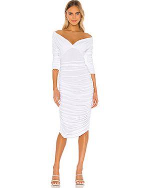 Платье с открытыми плечами с оборками Norma Kamali
