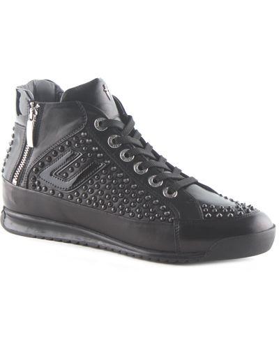 Кожаные ботинки осенние на каблуке Cesare Paciotti