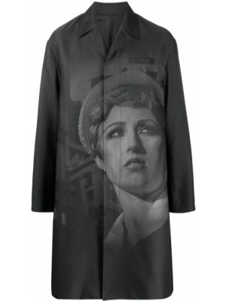Klasyczny czarny płaszcz z długimi rękawami Undercover