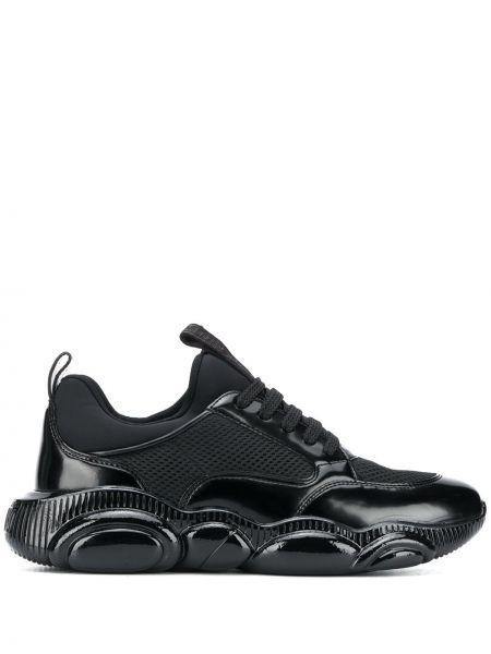 Czarny sneakersy z siatką okrągły zasznurować Moschino