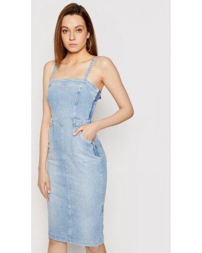 Niebieska sukienka jeansowa Guess