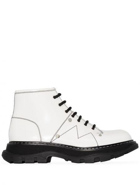 Biały ażurowy buty z prawdziwej skóry zasznurować Alexander Mcqueen