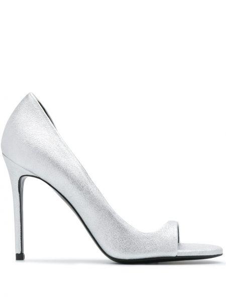 Открытые серебряные туфли на шпильке с открытым носком без застежки Maison Ernest
