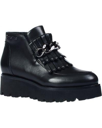 Ботинки на каблуке осенние кожаные Nando Muzi