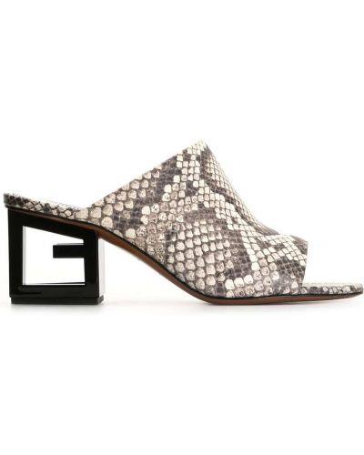 Biały muły na pięcie z prawdziwej skóry otwarty palec u nogi Givenchy