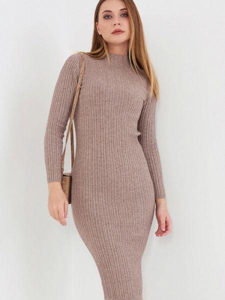 Бежевое вязаное платье Donatello Viorano
