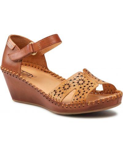 Brązowe sandały Pikolinos