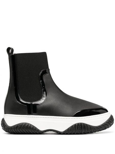 Кожаные черные сапоги на шпильке круглые N°21