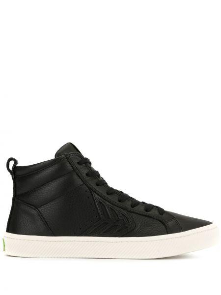 Czarne wysoki sneakersy skorzane sznurowane Cariuma