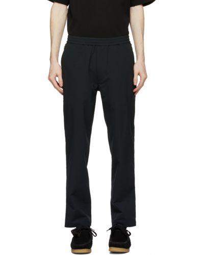 Czarne spodnie Nanamica