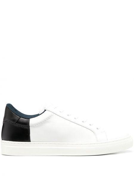 Czarne sneakersy skorzane sznurowane Joseph