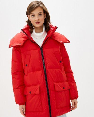 Красная теплая куртка S.oliver