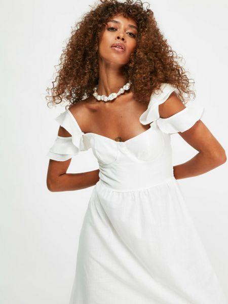 Платье - белое Trendyol
