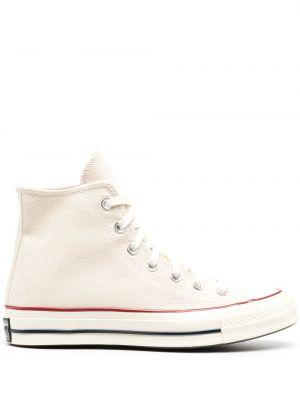 Со звездами белые высокие кеды на шнуровке Converse