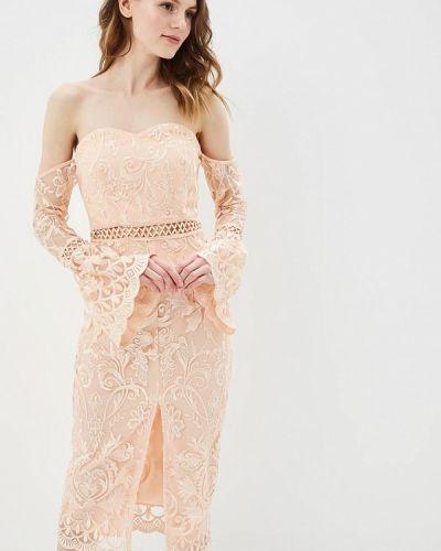 Розовое платье с открытыми плечами True Decadence